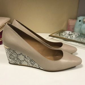 NEVER WORN Calvin Klein Nude Snakeskin Wedge